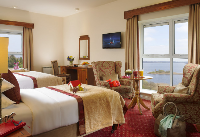 Things to do in County Roscommon, Ireland - Hodson Bay Hotel - Family Room - YourDaysOut - Photo 3