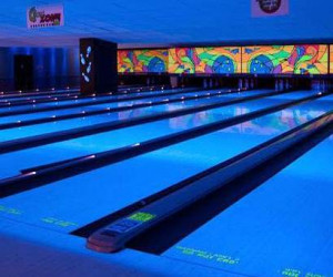 Things to do in County Donegal, Ireland - Bundoran Glowbowl & Macks Amusements - YourDaysOut